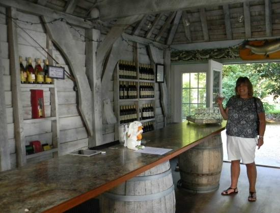 Ridge, MD: The wine cottage