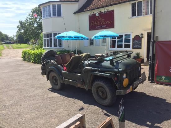 The Finningham White Horse: The Green Machine on a visit