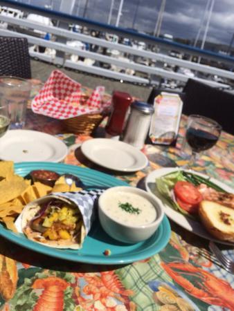 Anthony's Beach Cafe: photo0.jpg