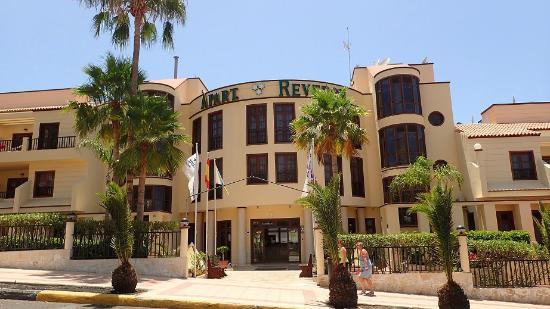 Photo of Apartamentos Reveron Los Cristianos