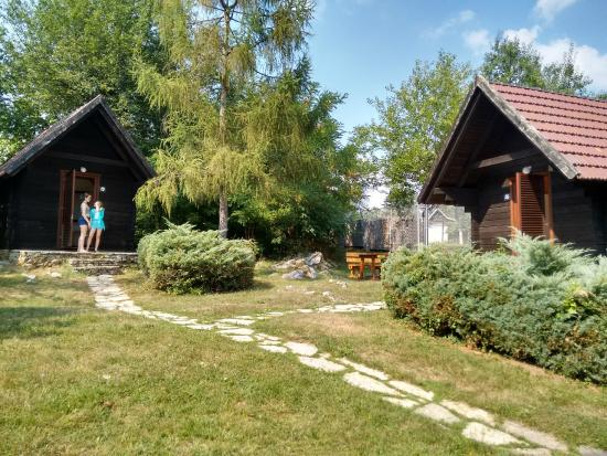 Bungalows at Campsite Korana: Well spaced
