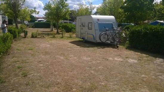Emplacement n 32 picture of camping le soleil des landes lit et mixe tripadvisor - Camping l univers lit et mixe ...