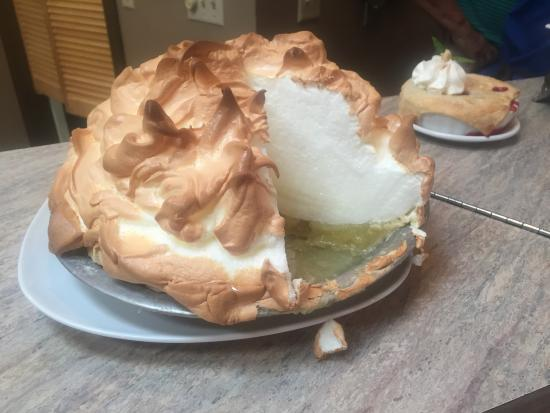 Josephine's Tea Room & Gifts: Sky-High Lemon Meringue Pie!