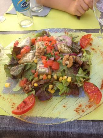 La Table d'Ysoa : Salade de chèvres chauds : copieuse et goûteuse .