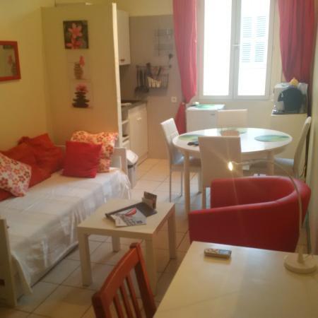 Festival Residence Apartments: Salon MICHEL