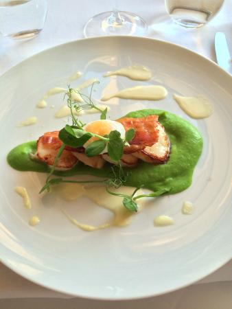 Howtown, UK: Scallops with a pea puree