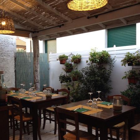 photo0.jpg - Foto di La Cucina del Giardino, Forte Dei Marmi ...