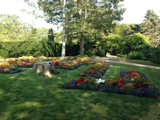 A Flower Bed Picture Of Annapolis Royal Historic Gardens