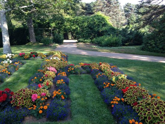 Annapolis Royal Historic Gardens: Flower Bed
