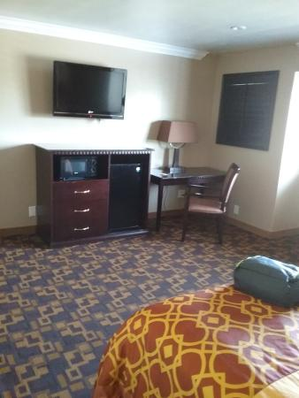 Rodeway Inn San Diego Near Qualcomm Stadium: room 1