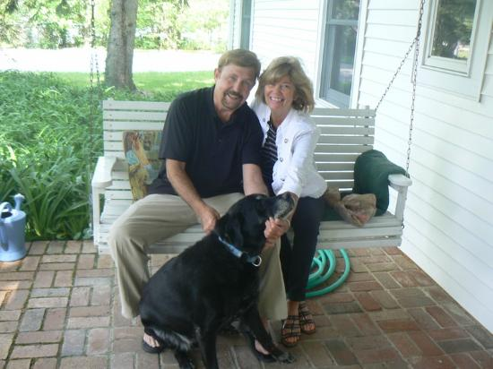 Monticello, IN: Relaxing with Bo at the Black Dog Inn