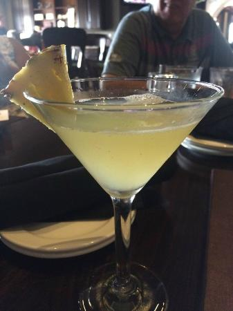 Bacio: Pineapple Martini