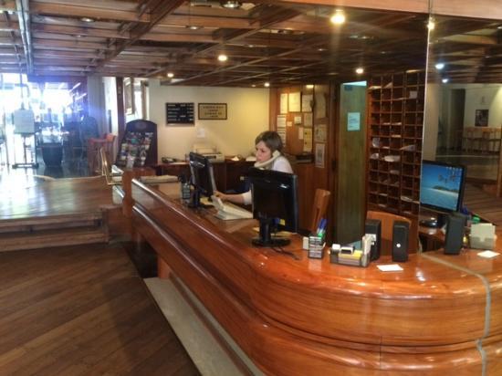 Suipacha Suites: lobby