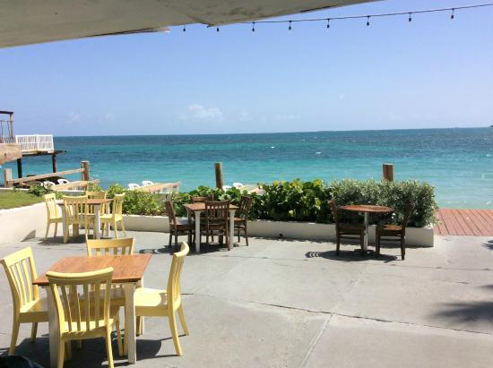 La Playita: Attached restaurant on the water