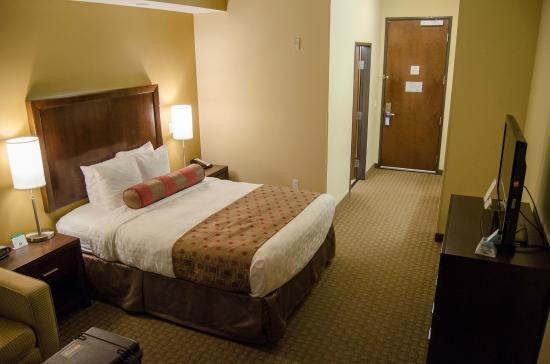 Best Western Plus Lacey Inn & Suites : The room layout is pretty typical and comfortable. All furnishings were in new condition.