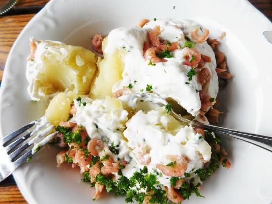 Restaurant Hallerhof: Nordsee-Kartoffel 11,80 €