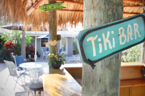 Casitas Coral Ridge: Tiki Hut Time!