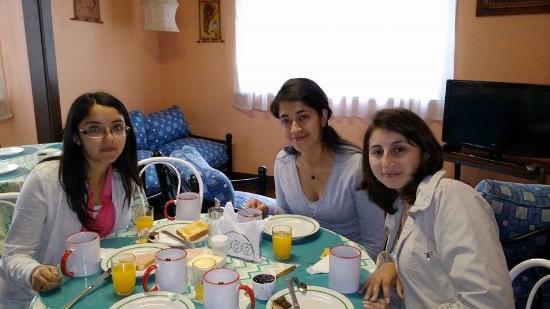 Residencia Lebell Hostel: Desayuno
