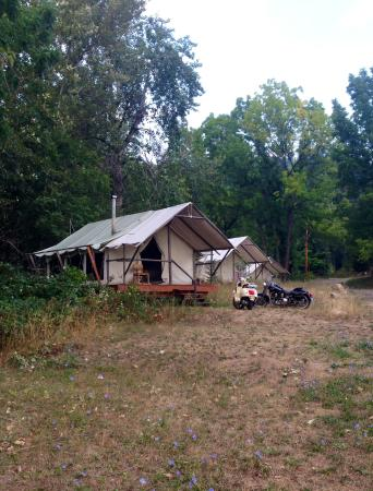 River Dance Lodge: glamping tents