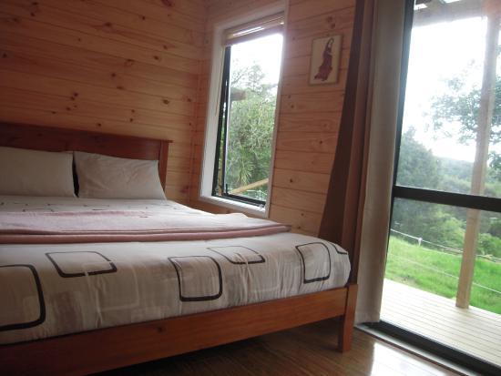 Little Earth Lodge: Cabin interior
