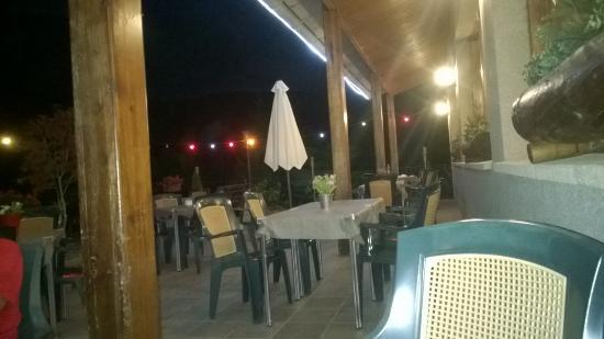 Gósol, España: El restaurante a las 22:00 hrs