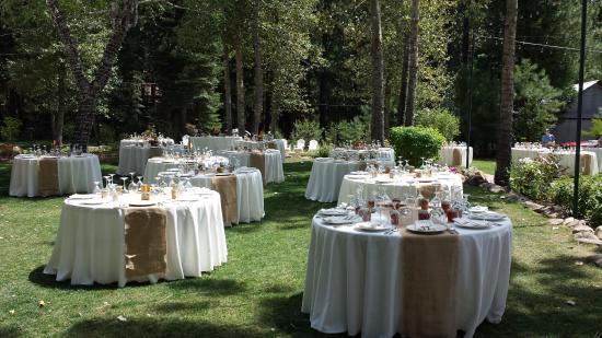 Twenty Mile House Inn: wedding tables
