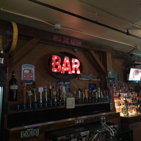 Bridgewater, VT: Cool BAR sign!!