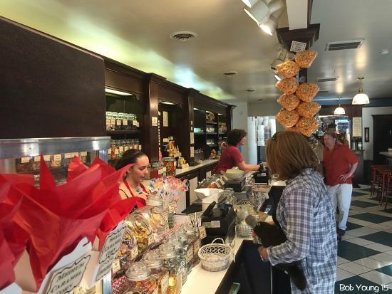 Goody's Soda Fountain & Candy Store: Ice cream counter