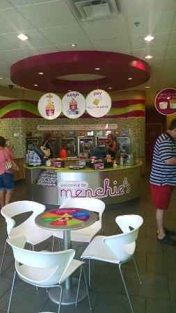 Menchie's Marketplace at Centerra