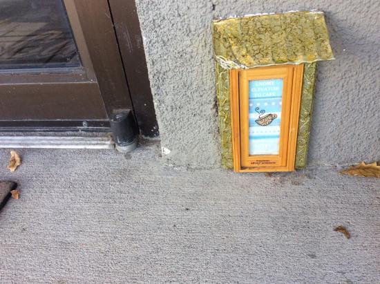 Weeds Cafe: Gnome elevator