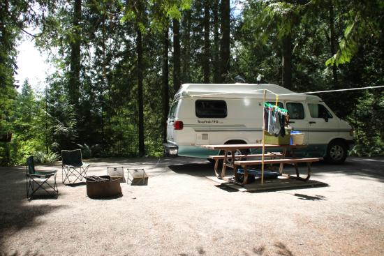 Roberts Creek, Canada: Our campsite