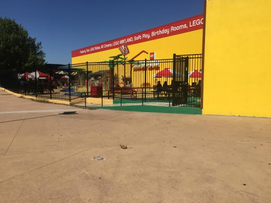 Grapevine Mills: Outdoor Lego area