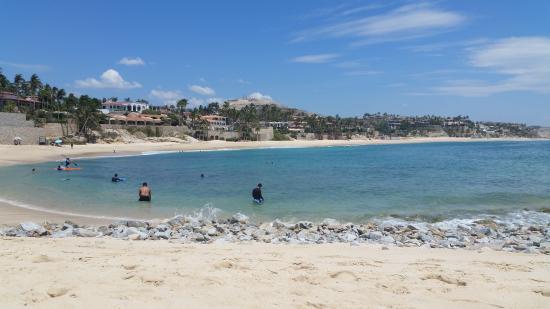 Playa Palmilla (Palmilla Beach): Shallow but rocky