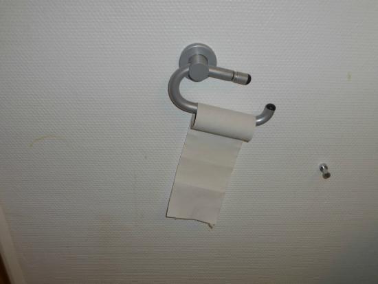 Mur des toilettes tâché