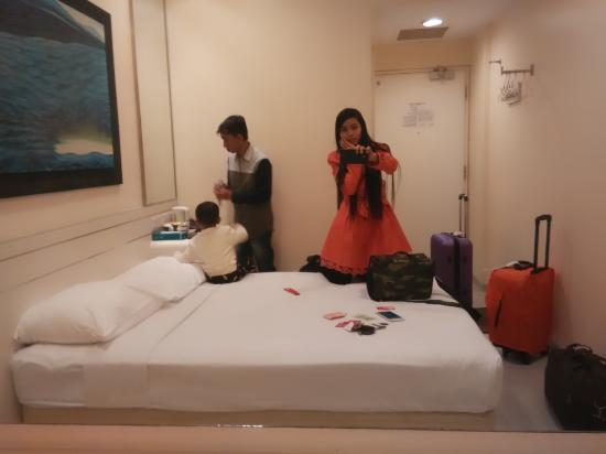 Hotel 81 - Elegance: kamar sempit
