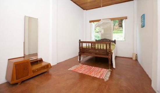 Polwatte House: Double Room with Shared Bathroom