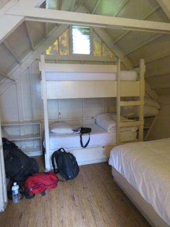 Namakani Paio Cabins: Interior de la cabaña