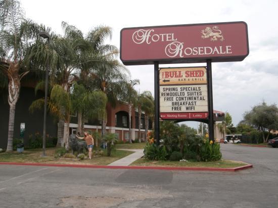 entr e picture of hotel rosedale bakersfield tripadvisor. Black Bedroom Furniture Sets. Home Design Ideas