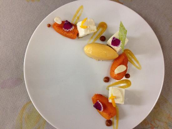 Malataverne, Fransa: Domaine du Colombier Restaurant
