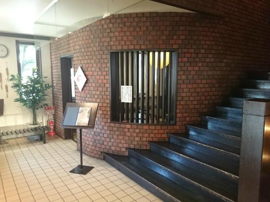 Kura: お店入口を入った1階