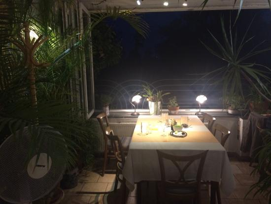 U Andela : Prefect city view, great retro design, good house wines