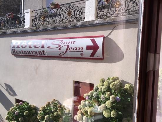Saint Jean : entrée de l'hôtel