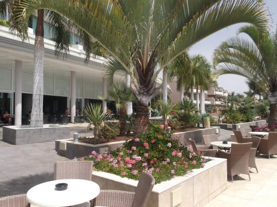 Holiday Village Tenerife: Seating outside