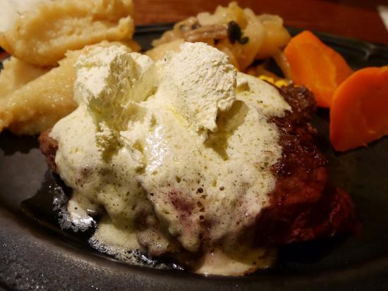 Steakhouse B&M: ガーリックバターステーキ@1,600円