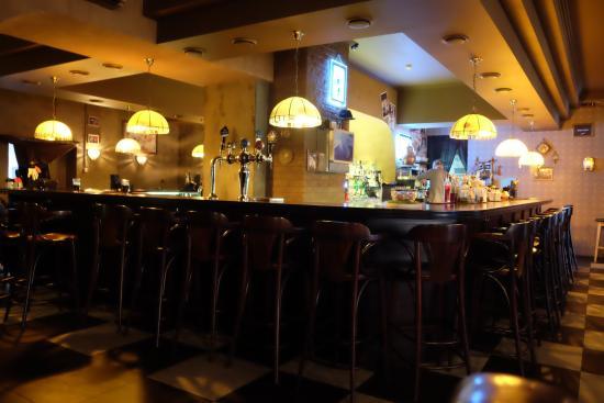 Gatsby's Bar & Grill