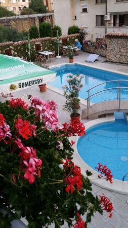 Hotel Nassi : widok na basen
