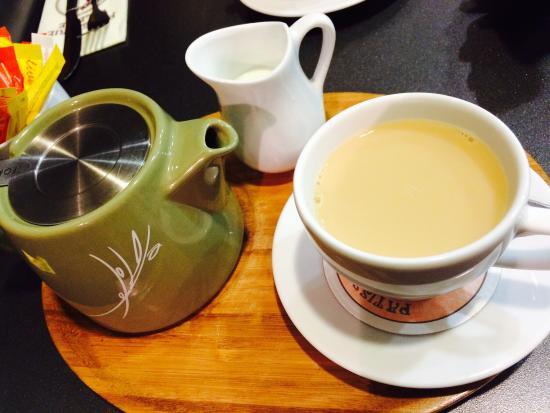 Patisserie Valerie: Afternoon tea 22.08.15