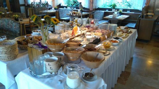 Hotel Hirsch: Frühstücksbuffet