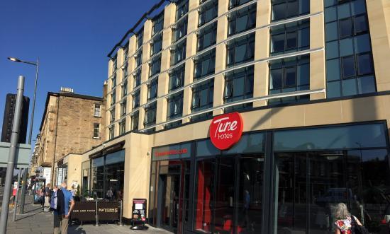 Picture of tune hotel haymarket edinburgh for 7 clifton terrace haymarket edinburgh