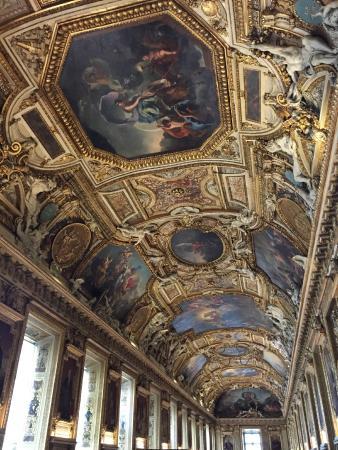 Plafond de la galerie d 39 apollon photo de mus e du louvre paris tripadvisor - Musee du louvre billet coupe file ...